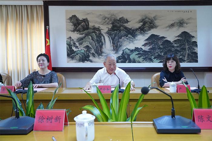 17日下午,同云浮市副市长、云城区委书记徐树新举行会谈2.jpg